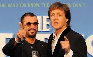 Les anciens Beatles Ringo Starr et Paul McCartney