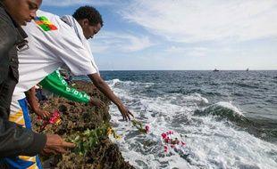 Une cérémonie en hommage aux victimes du naufrage de migrants près de Lampedusa, le 21octobre 2013.