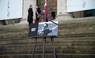 Hommage à Samuel Paty devant l'Assemblée nationale, le 20 octobre 2020.