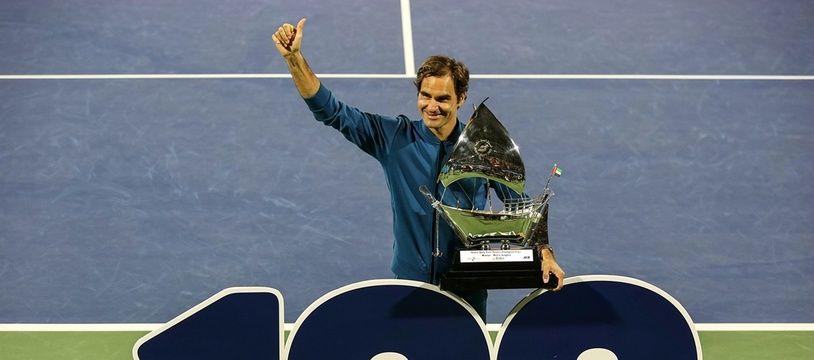 Roger Federer a remporté le 100e tournoi de sa carrière à Dubai, le 2 mars 2019.