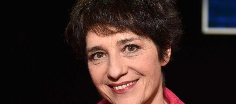 Elizabeth Martichoux devrait assurer l'intérim de Darius Rochebin quelques semaines sur LCI.