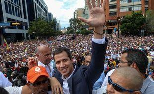 Juan Guaido s'est autoproclamé président par intérim du Venezuela devant des milliers de supporteurs le 23 janvier 2019.