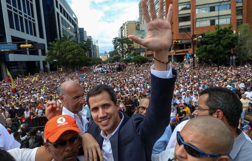 99ebf95ad98 Venezuela  L opposant Juan Guaido déclaré inéligible pour les quinze  prochaines années