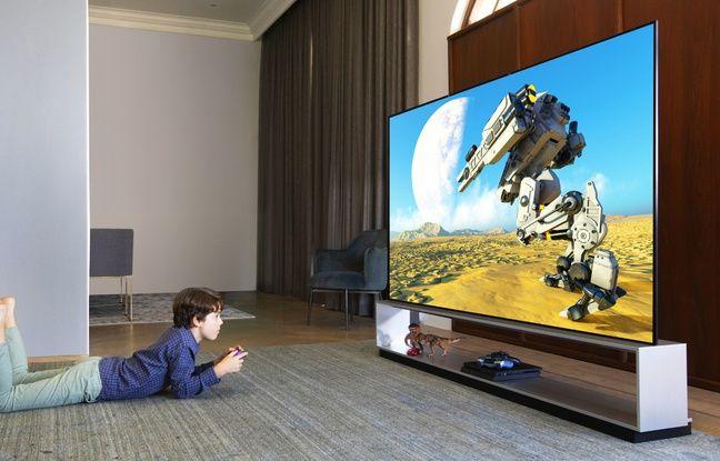 LG continuer de miser sur les téléviseurs OLED 8K avec sa série ZX déclinée en 77 et 88 pouces.