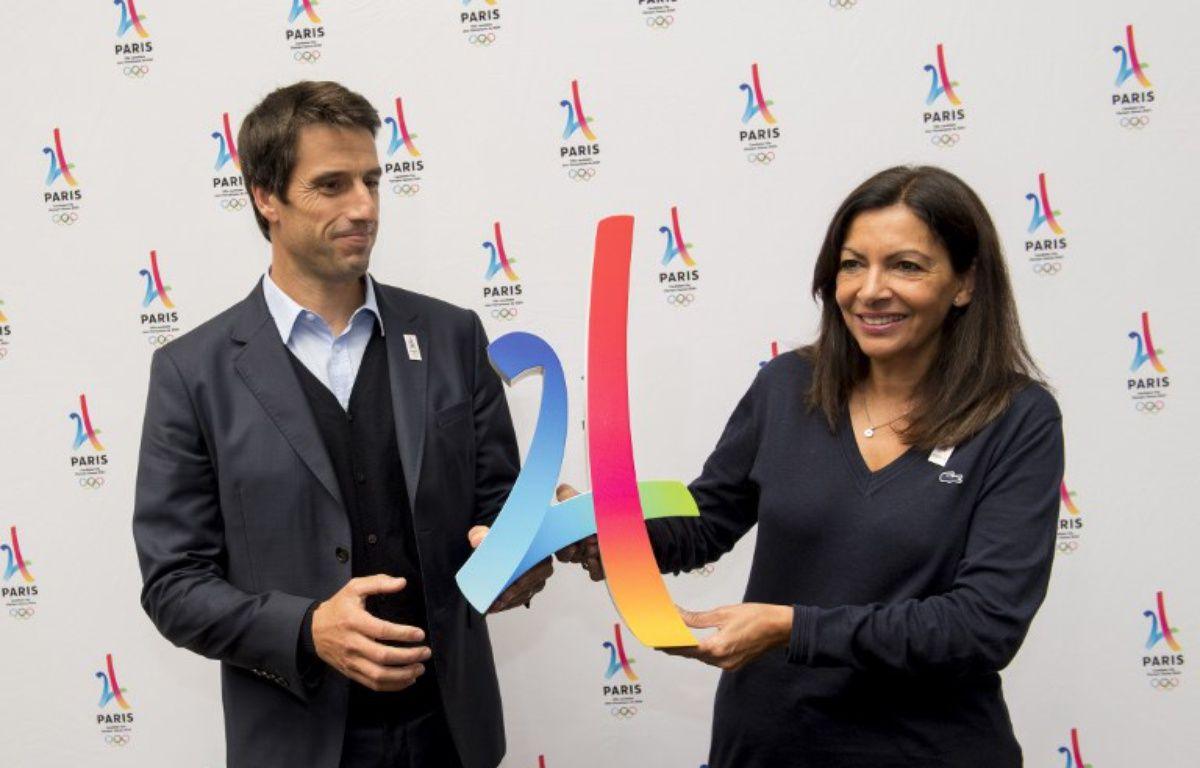Tony Estanguet et Anne Hidalgo à Lausanne, le 11 juillet 2017.  – Martin BERNETTI / AFP
