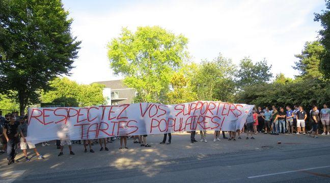 Fc nantes une centaine de supporters nantais en col re contre les tarifs d - Le loft nantes tarif ...