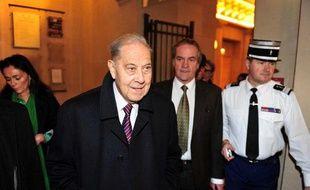Charles Pasqua lors du premier jour du procès en appel de l'«Angolagate», à Paris.