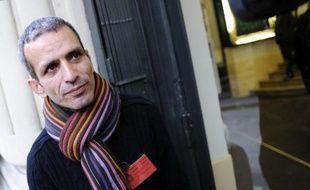 """Malek Boutih, membre du bureau national du PS, a estimé jeudi que Martine Aubry """"verrouillait"""" le parti et """"laiss(ait) s'exprimer une forme de radicalité (au PS) pour fermer la porte à Dominique Strauss-Kahn""""."""