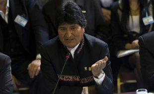 """Le président bolivien Evo Morales a affirmé samedi que les services de renseignement des Etats-Unis avaient eu accès aux courriers électroniques des """"plus hautes autorités"""" de Bolivie."""