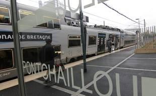 La nouvelle halte gare de Pontchaillou dans sa version rénovée. Ici en octobre 2019.