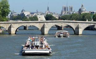 Un homme a fait une chute dans la Seine, dans la nuit de mardi à mercredi.