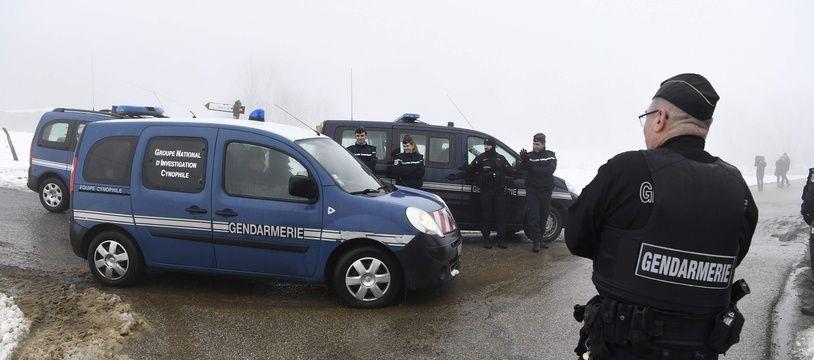 Photo d'illustration durant les recherches par la police du corps de Maëlys, la semaine passée à Attignat-Oncin, après les aveux de Nordahl Lelandais. PHILIPPE DESMAZES
