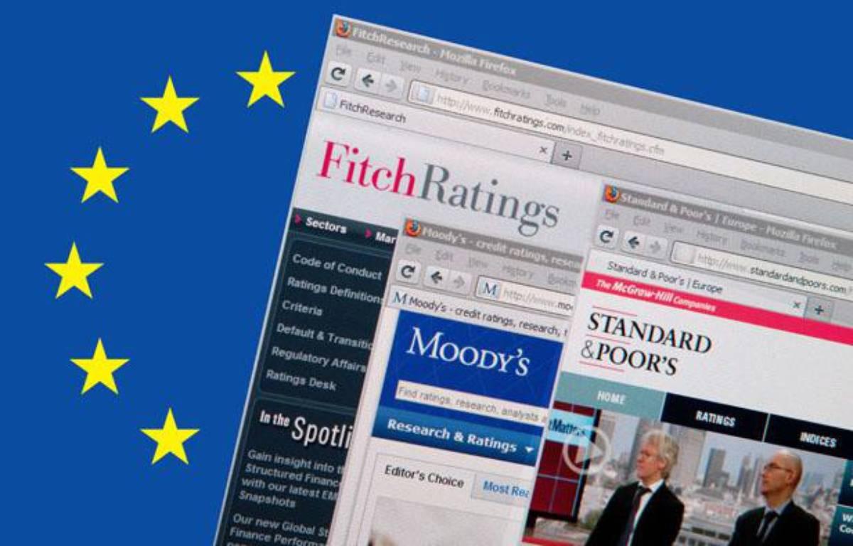 Sites Internet des trois principales agences de notation du monde: Fitch Ratings, Moody's et Standard & Poor's. Ces agences sont chargées d'évaluer et de noter la sante financière d'entreprises, d'institutions, de collectivités, Etats compris. – JPDN/SIPA