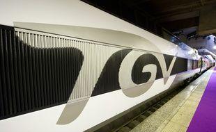 Un TGV en gare. Illustration