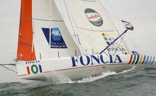 Foncia, le bateau de Michel Desjoyeaux, lors du Vendée Globe, le 9 novelbre 2008.