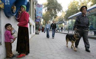 L'organisation de défense des droits de l'Homme Amnesty International dénonce le recours courant à la torture et aux violences par les forces de l'ordre au Tadjikistan, dans un rapport rendu public jeudi.