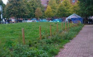 A Lille, le 12 octobre 2016- Le parc des Olieux de Lille, occupé par les migrants.
