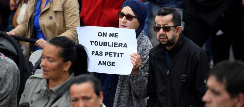 Un millier de personnes ont participé à la marche blanche ce jeudi après-midi dans les rues de Lorient.