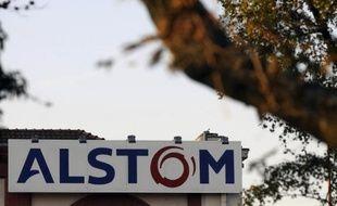 Alstom fournira 34 nouvelles rames de trains grandes lignes à la SNCF, pour un montant de 350 millions d'euros, dans le cadre du contrat décroché par le groupe pour le renouvellement des trains Corail annoncé la semaine passée par le gouvernement.