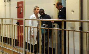 Mathilde Seigner dans le téléfilm de France 2 Médecin chef à la Santé.