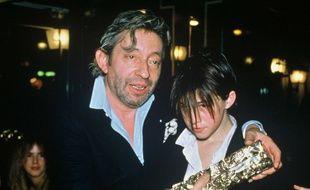 Serge et Charlotte Gainsbourg après son César du meilleur espoir féminin pour son rôle dans «L'Effrontée», en 1986.