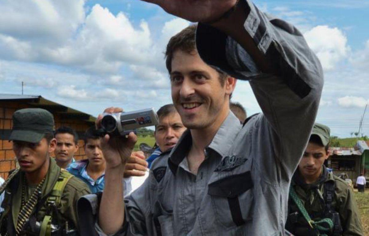 Roméo Langlois, correspondant de la chaîne France 24, avait été enlevé le 28 avril par les rebelles marxistes des Farc lors de l'attaque d'une brigade militaire dont il filmait une opération anti-drogue de l'armée dans le sud du pays. – Luis Acosta afp.com