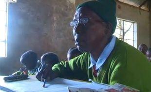 Priscilla Sitienei à l'école primaire de Ndalat au Kenya