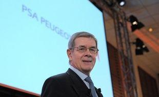 Le patron de PSA Peugeot Citroën, Philippe Varin, devra convaincre mercredi les actionnaires réunis en assemblée générale que sa stratégie peut sauver le groupe, en pleine restructuration en France et après une perte historique en 2012.