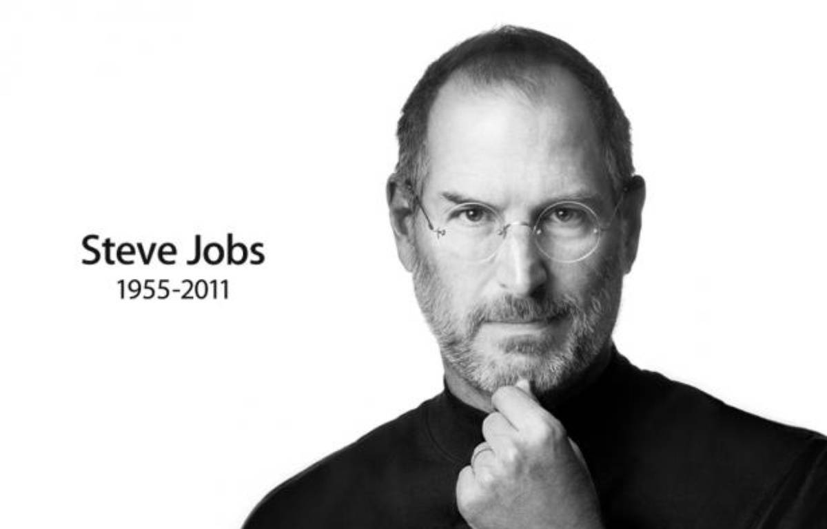 La page du site Apple.com rend hommage à Steve Jobs, dont le décès a été annoncé le 5 octobre 2011. – DR