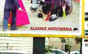 La campagne d'affichage de l'alliance anticorrida montre un taureau agonisant au pied d'un torero