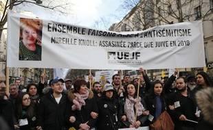 Des milliers de personnes ont participé mercredi à Paris à la marche blanche en hommage à Mireille Knoll