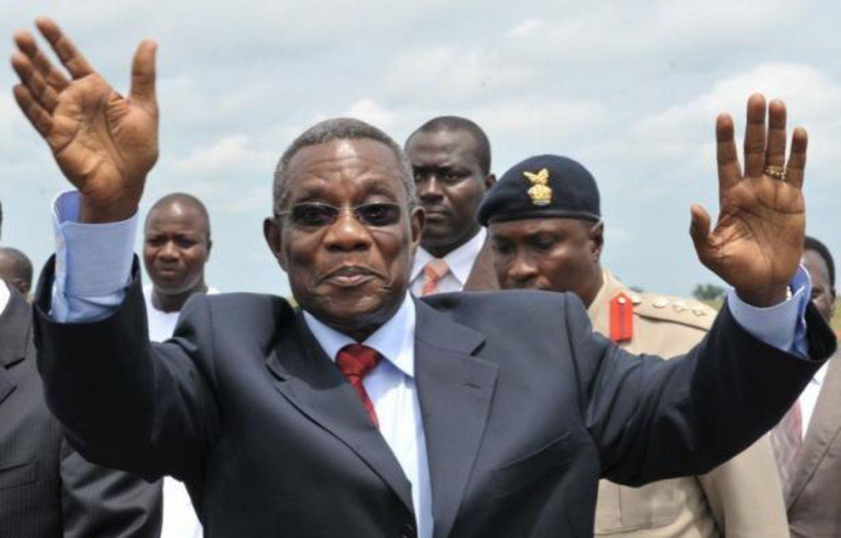 Le président John Atta Mills, qui dirigeait le Ghana depuis 2009, est mort brusquement mardi à 68 ans, un décès qui ouvre une période d'intérim jusqu'à la présidentielle prévue en décembre dans ce pays présenté comme un rare exemple de démocratie en Afrique de l'Ouest. – Issouf Sanogo afp.com