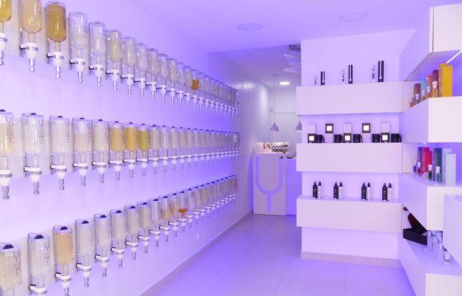 Le 14 mars 2017. A Villefranche-sur-Saône. Le premier bar à parfums du Rhône vient d'ouvrir à Villefranche. Ydentik, qui permet de créer des flagrances sur mesure, est un concept né au Portugal.