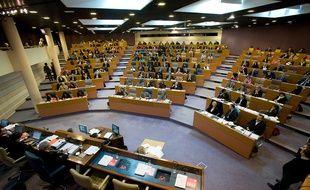 L'hémicycle  L'hémicycle du Conseil regional d'Ile de France, lors de la première séance du Conseil, présidée par Jean-Paul Huchon (PS) après sa réelection le 26 mars dernier 2010.
