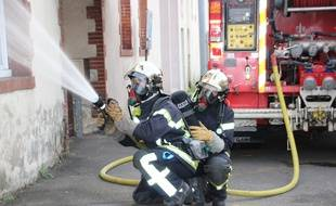 Un sapeur-pompier est intervention en Loire-Atlantique. llustration).