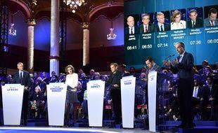 Le plateau du deuxième débat de la primaire de droite, le 3 novembre 2016 à Paris, salle Wagram.