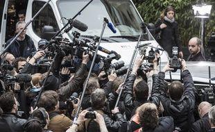 Les journalistes attendent le lauréat du Goncourt, en 2012.