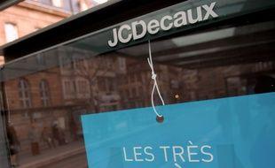 Panneau d'affichage JC Decaux. (Illustration)