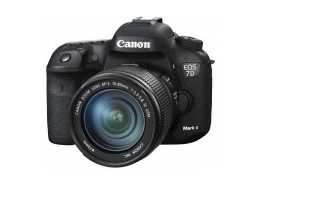 Le reflex Canon EOS 7D Mark II: un bon candidat pour photographier le sport.