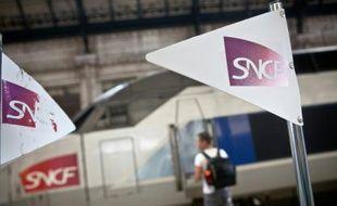 Logo de la SCNF, à la gare de Bordeaux-Saint-Jean, le 9 juillet 2012