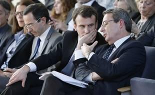 Emmanuel Macron  aux côtés du président d'Expo France 2025, Jean-Christophe Fromantin, ce jeudi 5 mars 2015 à la Fondation Louis-Vuitton à l'occasion de la présentation de la candidature française à l'exposition universelle de 2025.