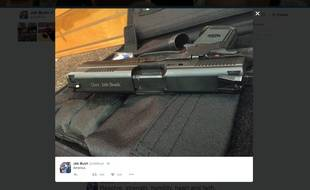 Une photo d'un pistolet tweetée par Jeb Bush.