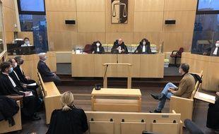 La salle d'audience du tribunal correctionnel de Rennes lors du procès des militaires de Saint-Cyr.