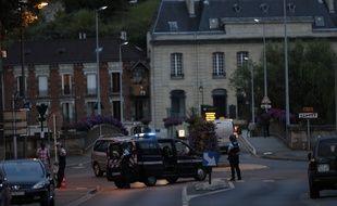 La nuit a été plus calme dans la Val d'Oise après l'autopsie du corps d'Adama Traoré