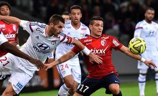 Le capitaine Maxime Gonalons a sombré comme tout l'OL samedi en deuxième période à Lille. PHILIPPE HUGUEN