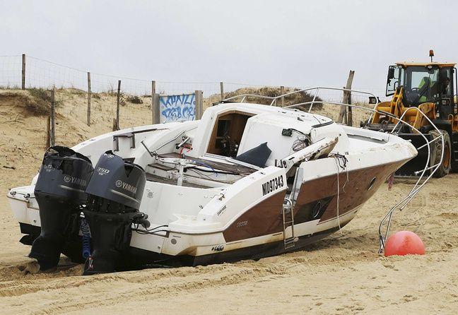 Le bateau de Pierre Agnès n'a pas été percuté par un autre navire ou objet flottant.