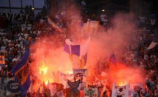 Les tribunes du Stade des Alpes lors de la réception de Grenoble en 2008