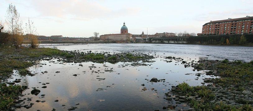 Le fleuve la Garonne, à Toulouse.
