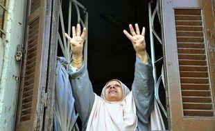 Des affrontements ont éclaté entre des partisans des Frères musulmans et du président Mohamed Morsi et la police au Caire (Egypte), le 3 janvier 2014.
