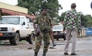 Un soldat burundais à Bujumbura, le 8 novembre 2015.